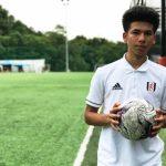 """""""เบน เดวิส"""" นักเตะทีมชาติสิงคโปร์เชื้อสายไทย กับก้าวสำคัญบนเกาะอังกฤษ"""